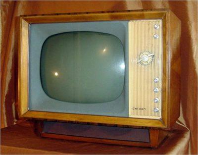 когда появилось цветное телевидение